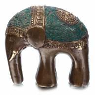 Слон на 2 ногах в зеленой попоне