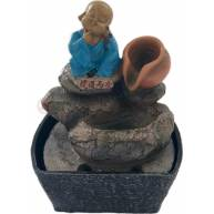 Фонтан с маленьким монахом