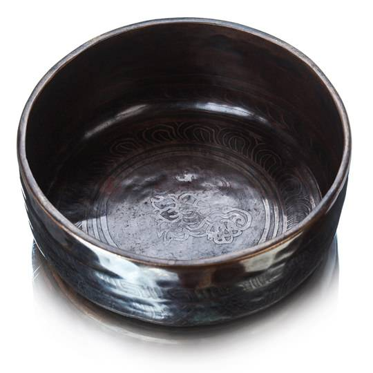 Поющая чаша кованная с гравировкой (темная)